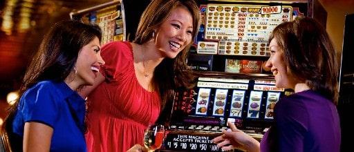 改めて知りたいオンラインカジノのスロットの特徴